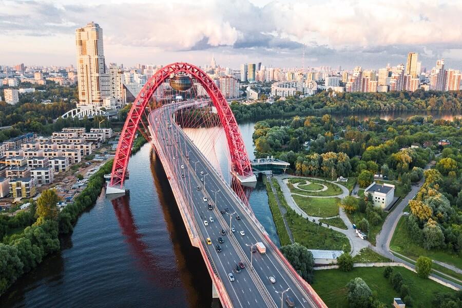 Ponte Zhivopisny em Moscou